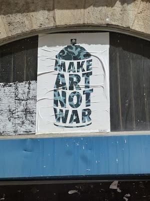 Make Art Not War - Poster in Lyon