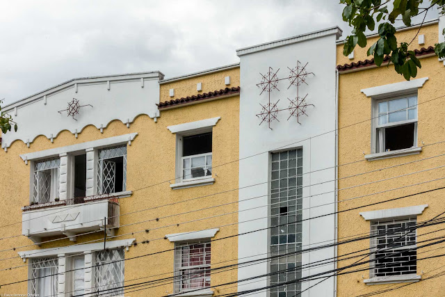 Edifício General Carneiro - detalhe na fachada principal