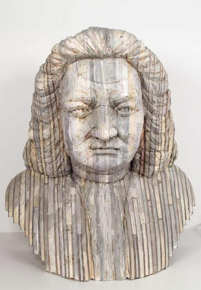 09-Bach-Long-Bin-Chen-A-Second-Life-for-Recycled-Book-Sculpting-www-designstack-co
