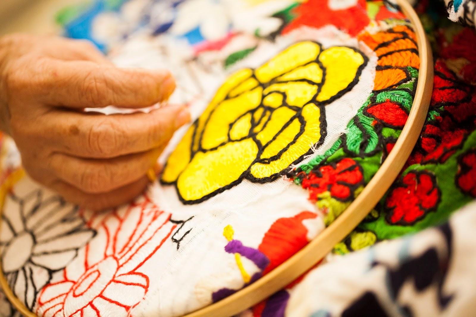 Dia das Mães celebra brasilidade com toda a bossa da chita, em almofadas exclusivas