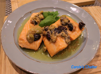 Carole's Chatter: Salmon with a tasty but split sauce