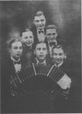 Osvaldo Pugliese en la orquesta de Pedro Maffia en l926