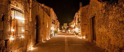 La noche de las velas en Pedraza, Segovia