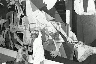 El Guernica con la pintada
