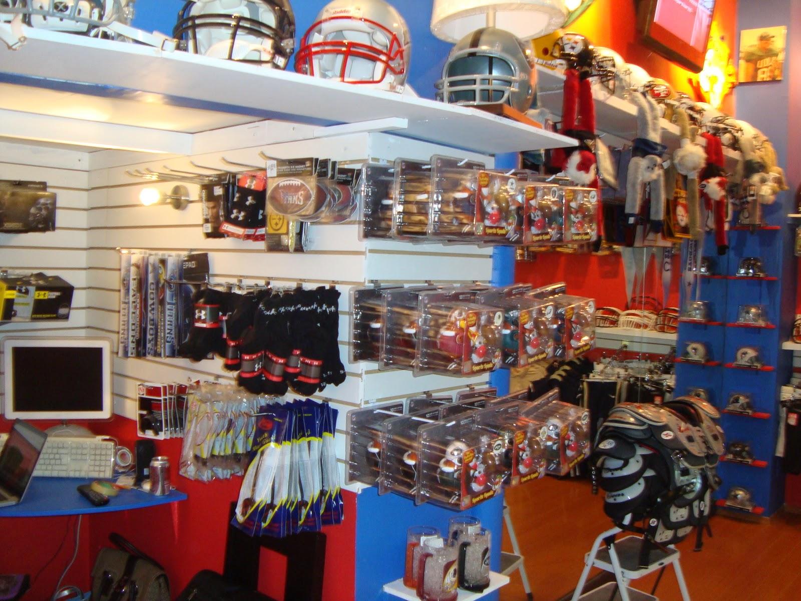 bde1c8ee30c5f La tienda contara para el 2012 con clinicas para fomentar el futbol  americano y tendremos a ex jugadores de la NFL y de la NFL Europa.