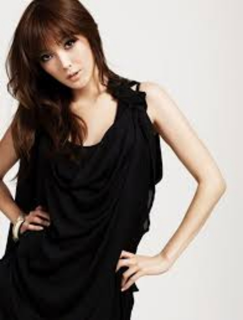 Yoko Horiuchi Model Jepang Tercantik dan Paling Hot saat ini