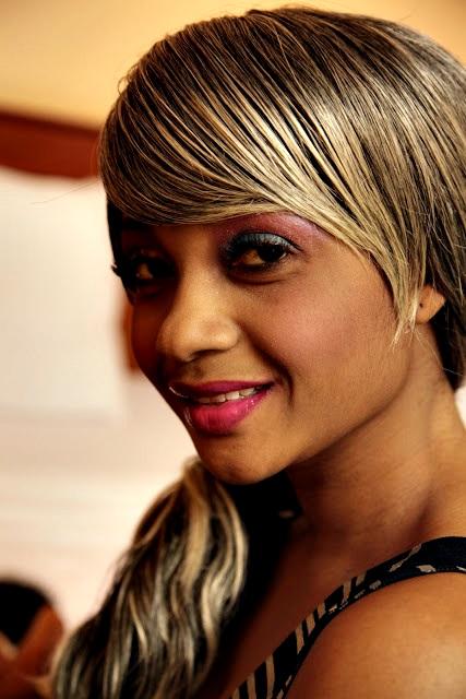 NURU THE LIGHT: FEMALE ARTISTS FROM TANZANIA!!