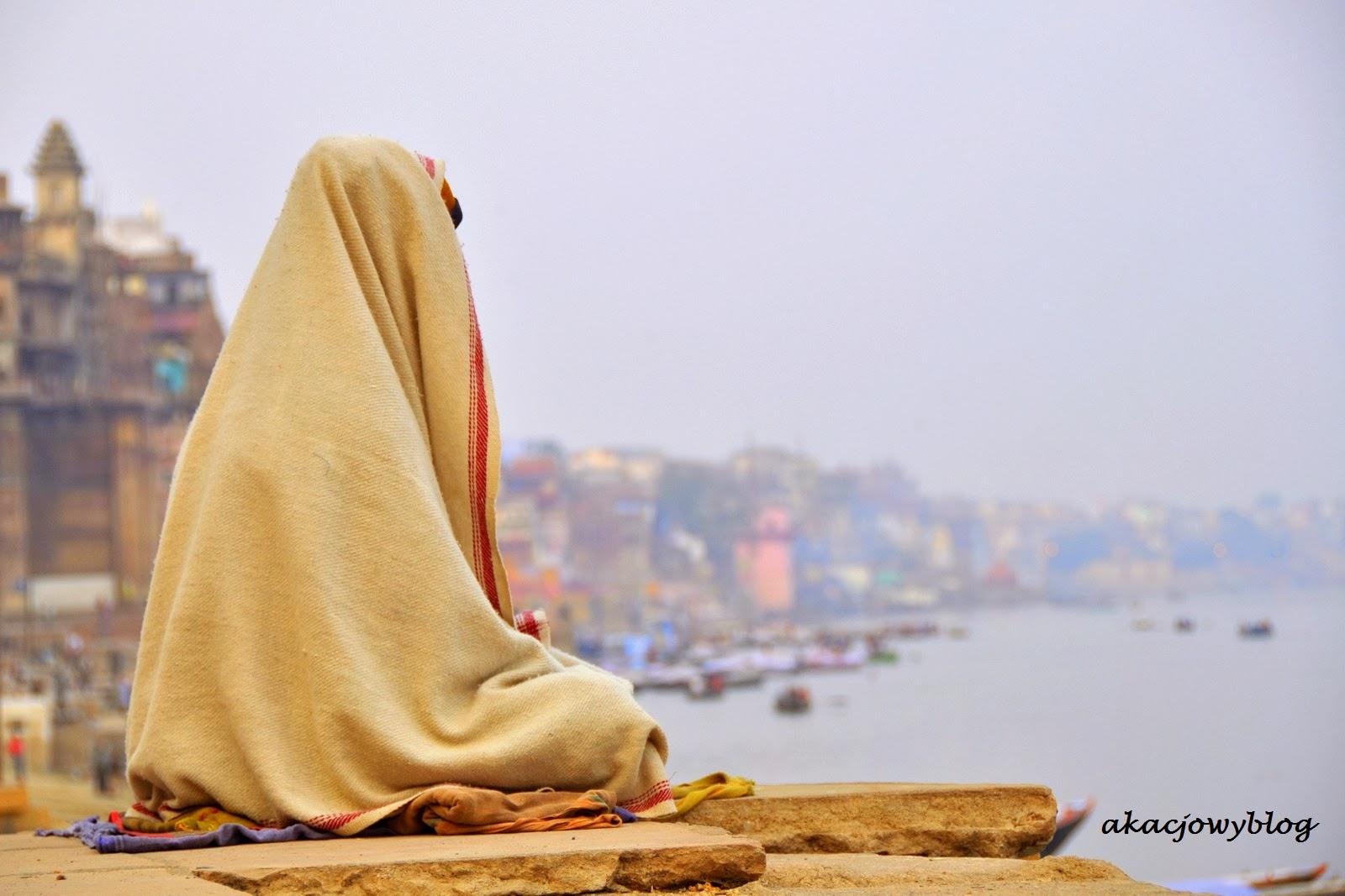 Na ghatach Waranasi.