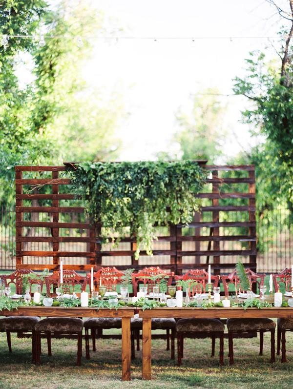 celebración de boda sencilla en LOVE, LOVE by chicanddeco