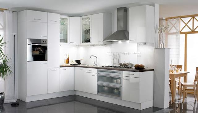 Tại sao lại lựa chọn thiết kế tủ bếp gỗ acrylic màu trắng