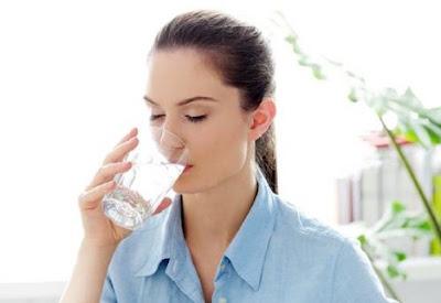 Minum Banyak Air Setiap Hari