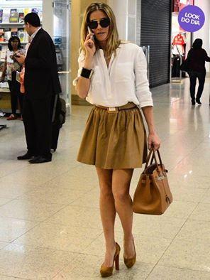 18f9eef53daa1 ... da grife Hermès, ela esteve no aeroporto no Rio de Janeiro, com este  modelo de óculos de sol Celine, e claro nós temos este modelo aqui no site!!