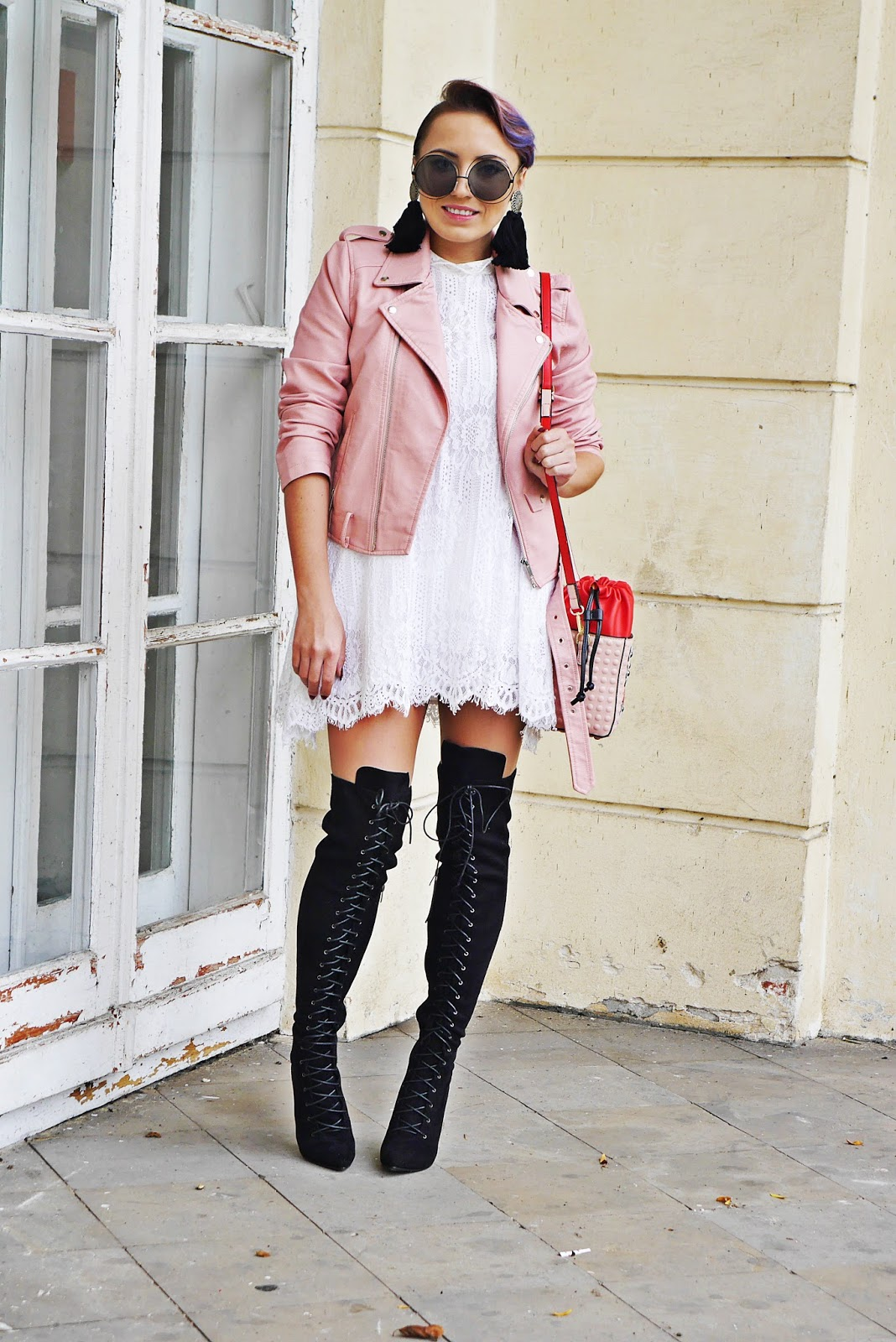 5_pink_biker_jacket_high_knee_shoes_renee_karyn_blog_modowy_lace_dress_180917a