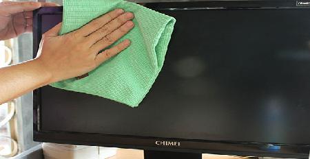 Cara membersihkan layar LCD yang benar