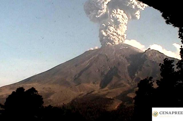 Explosión en el Popocatépetl rompe domo