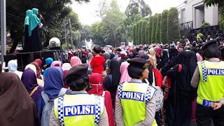 Bela Rohingya, Unjuk Rasa Muslim Indonesia di Depan Kedubes Myanmar Disoroti Media Asing