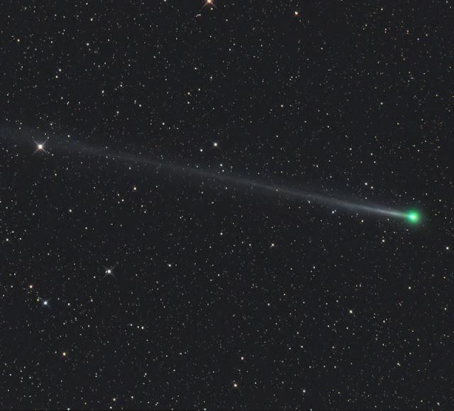 Sao chổi 45P/Honda-Mrkos-Pajdušáková trên bầu trời Tivoli ở Namibia, quốc gia ở Nam Phi vào ngày 22 tháng 12 năm 2016 vừa qua. Hình ảnh: Gerald Rhemann.
