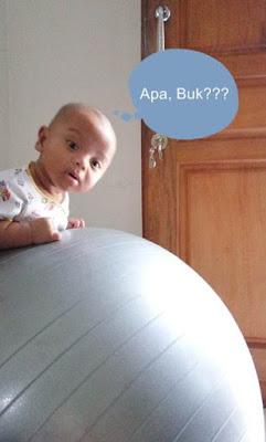 ball_exercise_untuk_bayi