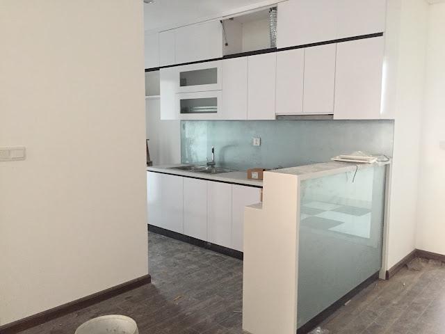 Không gian bếp riêng biệt, thông ra logia căn 01 diện tích 67m2 toà A chung cư Eco city Việt Hưng