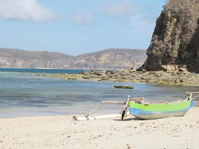 pantai gerupuk lombok tengah