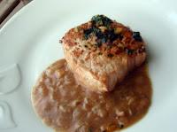 carne con salsa de boletus