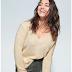 Pulover dama ieftin de iarna tricotat fin cu decolteu in V camel