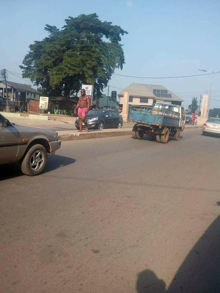 Man Runs Mad In Owerri Imo State, Attempts To Strip Self -6969