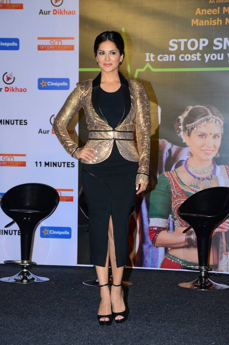Sunny Leone Photos In Black Dress