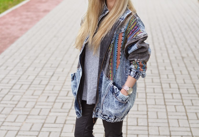 http://www.sheinside.com/Blue-Oversized-Aztec-Denim-Acid-Wash-Coat-p-144959-cat-1735.html