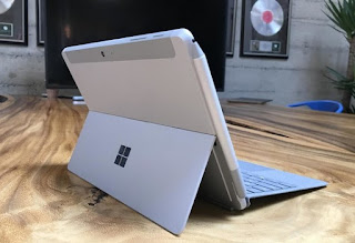 Surface Go vista posteriore