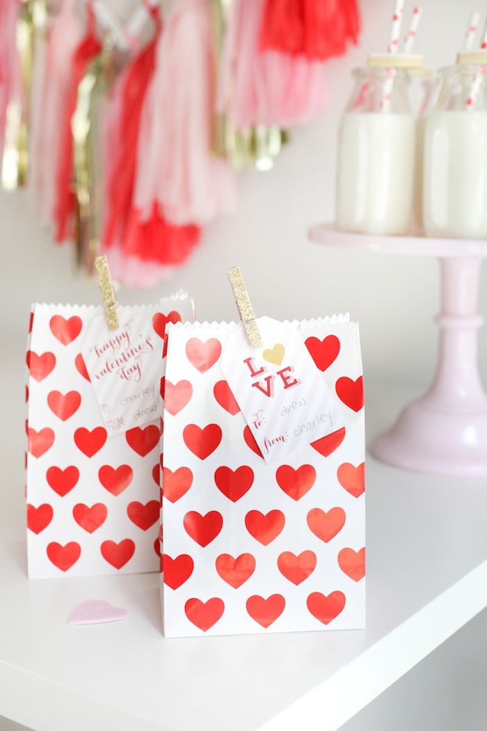 Mesa dulce para San Valentín by Habitan2 | Candy bar para el día de los enamorados | Decoración handmade para hogar y eventos Habitan2