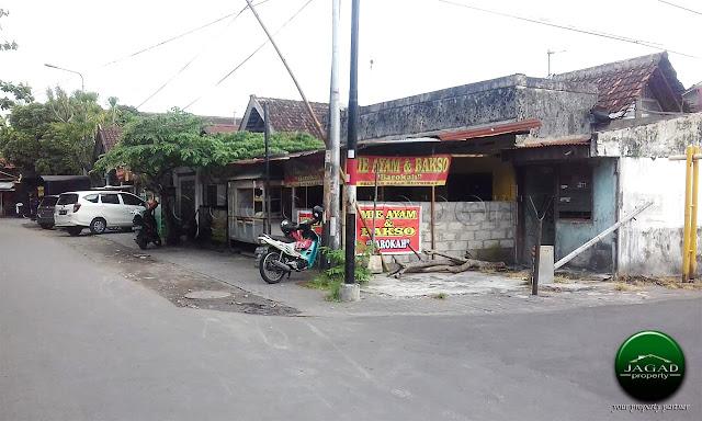 Tanah dekat Pasar Klithikan Pakuncen