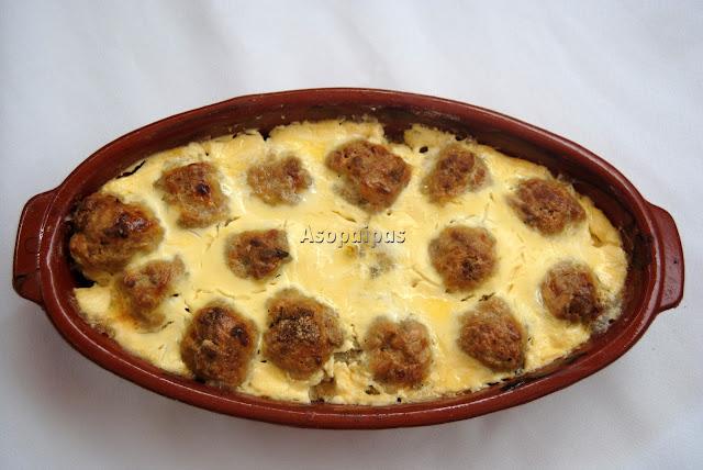 Albóndigas con Yogur (Papouda Thrakioliki me Keftedes)