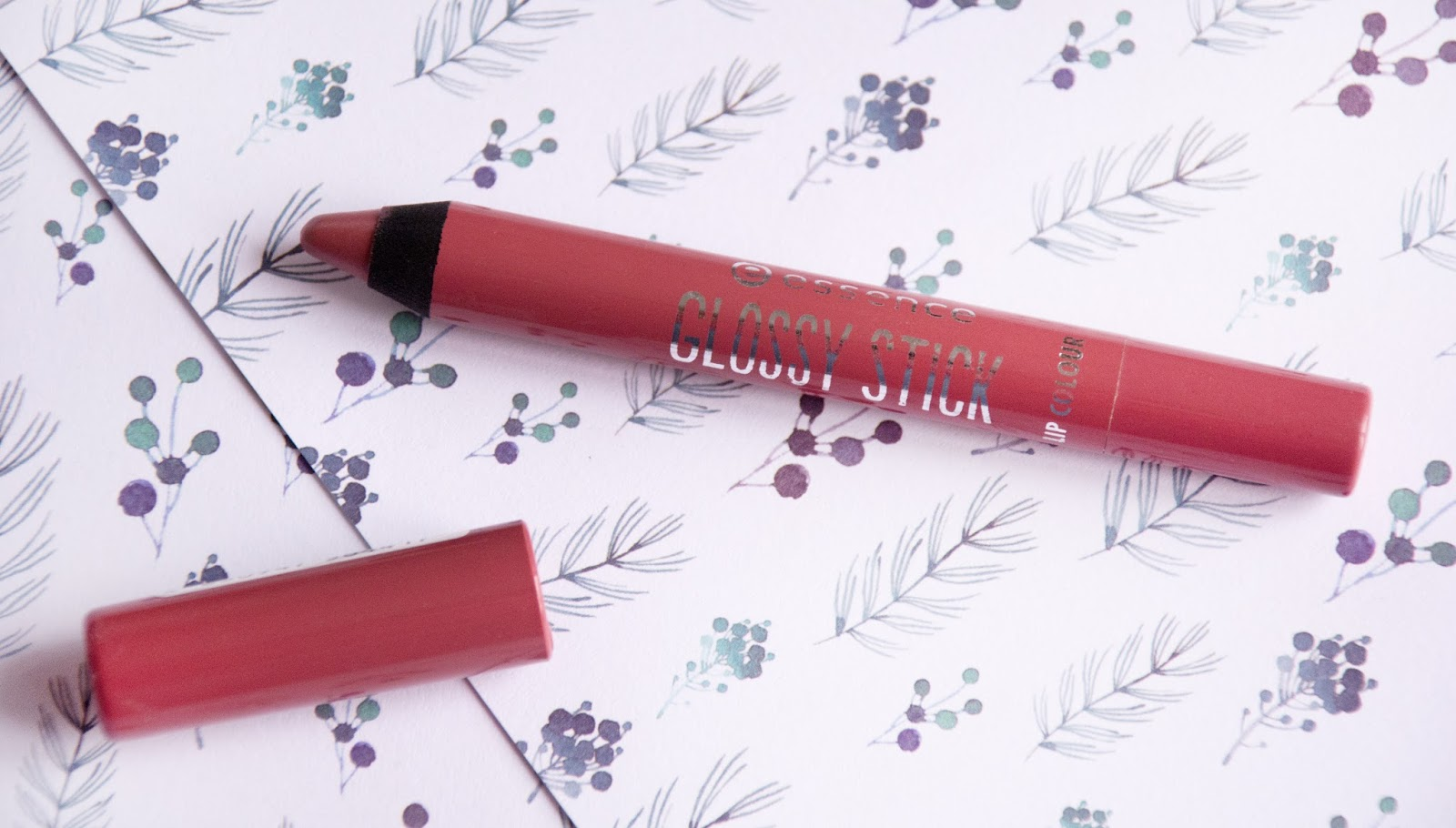 essence glossy lip colour  свотчи