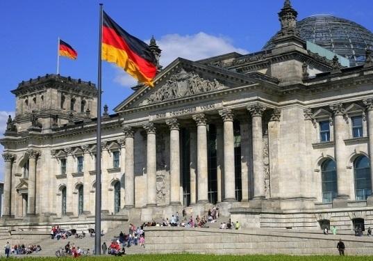 """Το ΙSIS χρησιμοποιεί διαδικτυακούς """"κυνηγούς ταλέντων"""" για να στρατολόγησει νεαρούς Γερμανούς"""