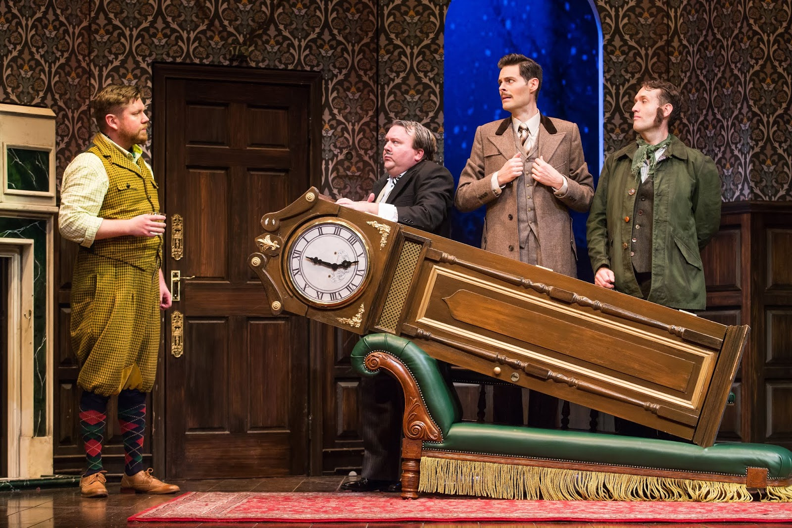 ChiIL Mama : REVIEW: The Play That Goes Wrong at Chicago's