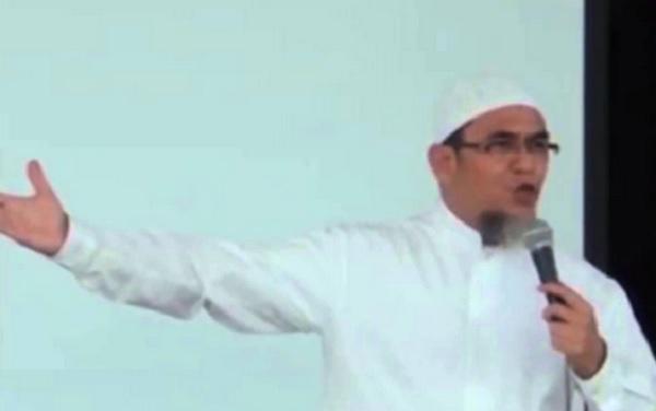 Dikader di Vatikan, Pastor Terbaik Ini Malah Masuk Islam