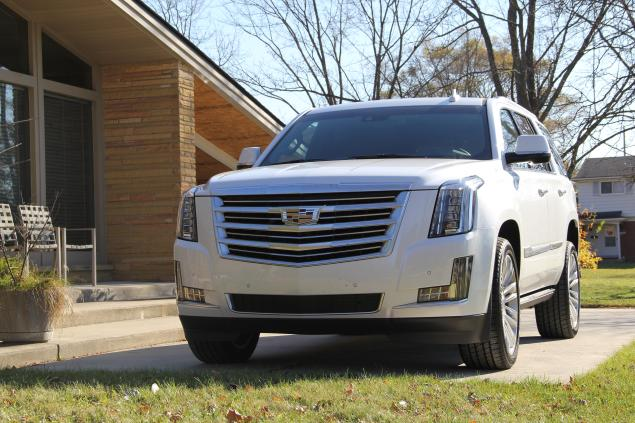 2016 New Cadillac Escalade Generation front eagle view