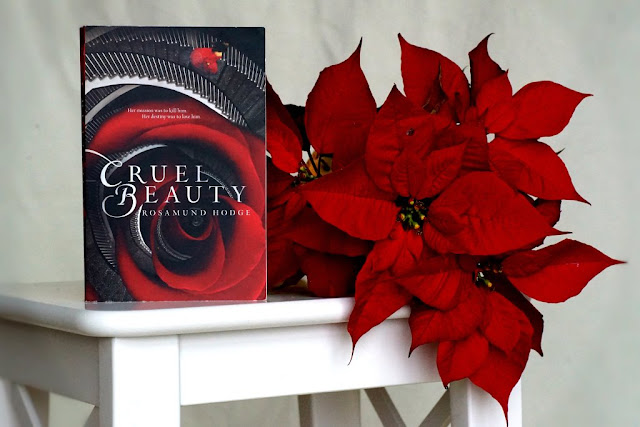 Review Rezension Cruel Beauty by Rosamund Hodge www.nanawhatelse.at