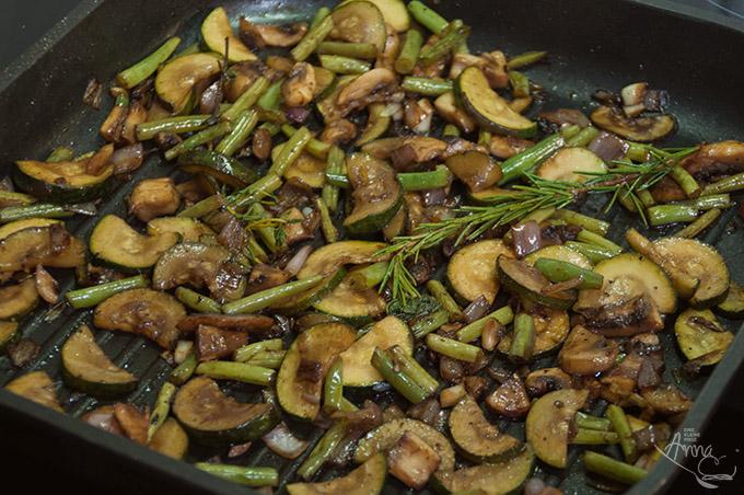 Zucchini-Champignon-Bohnen-Gemüse