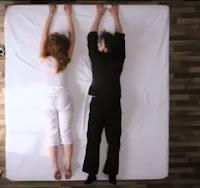 cama cuelga gente