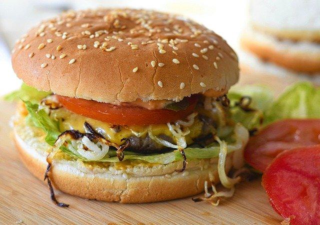 burger adalah makanan internasional