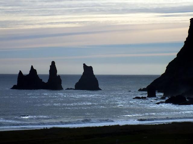 los tres trolls de Vik Islandia