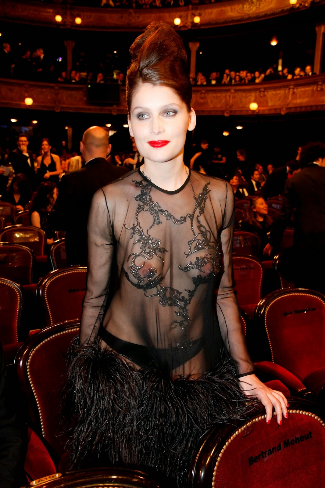 Amy Christine Dumas Nude dragon: fashion / nude look