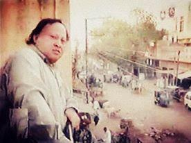 Sanson Ki Mala Pe Simru Mein Lyrics by Nusrat Fateh Ali Khan