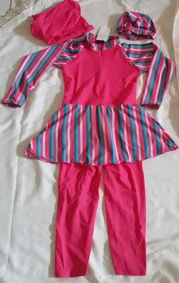 baju renang anak muslimah bermotif garis-garis