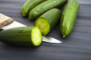 diy-face-masks-basic-cucumber