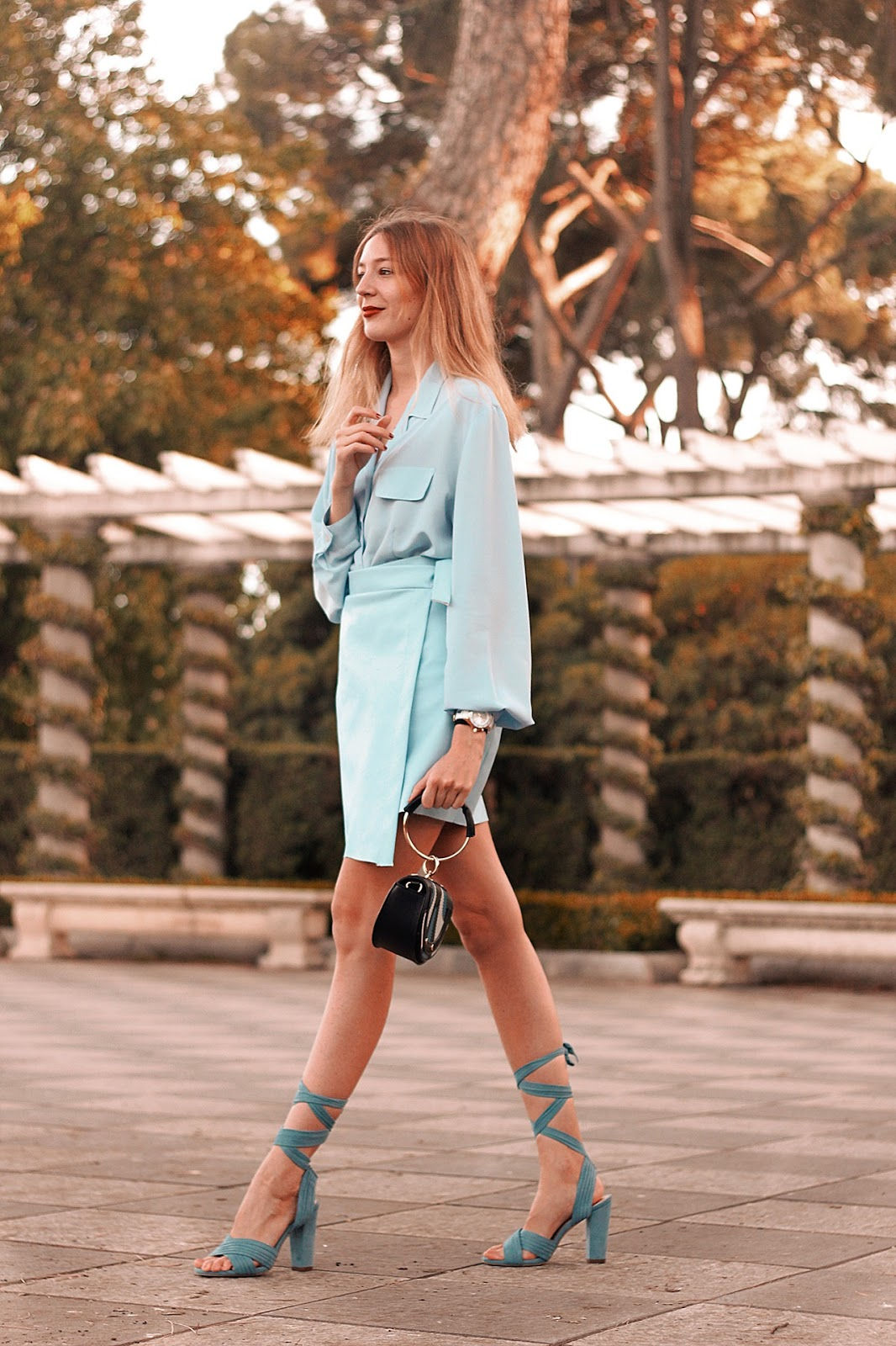 total-blue-pastel-looks-invitada-perfecta-ideal-outfit-boda-comunión-bautizo