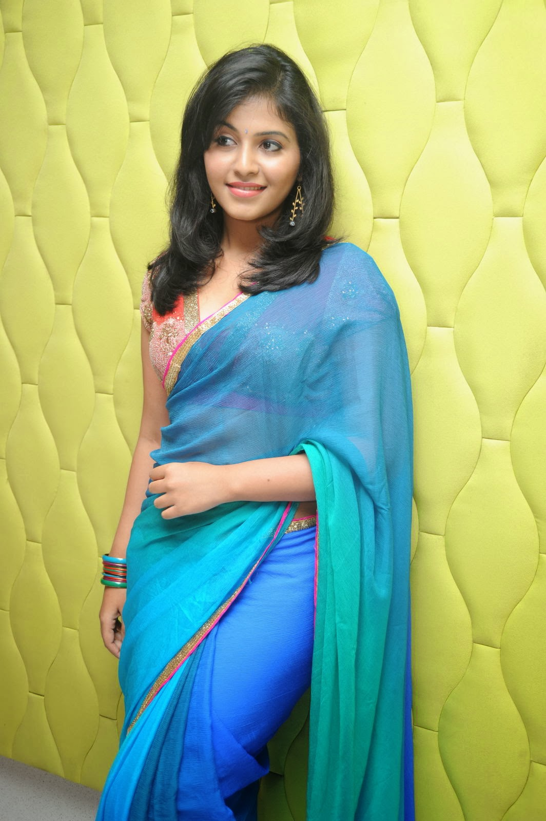 Beautiful Anjali  hot pics in blue saree at event