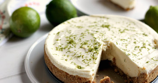 No Bake Zingy Lime Crumb Pie
